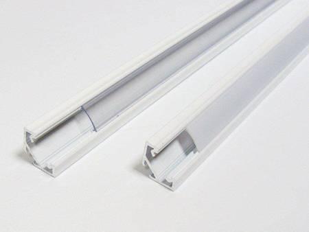 Profil narożny biały lakierowany typ C 1 metr